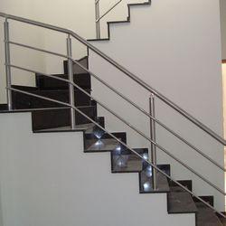corrimão de escada de alumínio branco