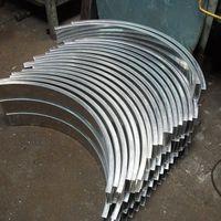 Calandragem de perfis de alumínio